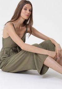 Born2be - Zielony Kombinezon First Blush. Kolor: zielony. Długość rękawa: na ramiączkach. Długość: długie. Wzór: ażurowy. Sezon: lato
