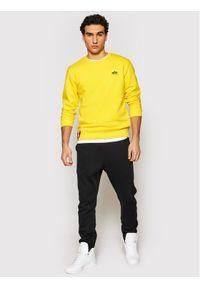 Alpha Industries Bluza Basic Sweater Small Logo 188307 Żółty Regular Fit. Kolor: żółty
