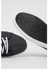 Levi's® - Levi's - Tenisówki. Okazja: na spotkanie biznesowe. Nosek buta: okrągły. Zapięcie: sznurówki. Kolor: szary. Materiał: guma. Styl: biznesowy