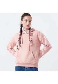 Cropp - Bluza z kapturem - Różowy. Typ kołnierza: kaptur. Kolor: różowy