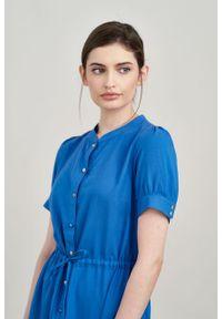 Marie Zélie - Sukienka Alma wiskoza z bawełną niebieski. Typ kołnierza: kołnierzyk stójkowy. Kolor: niebieski. Materiał: bawełna, wiskoza. Długość rękawa: krótki rękaw. Typ sukienki: szmizjerki