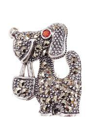 Braccatta - MILO Srebrna broszka markazyty pies piesek. Materiał: srebrne. Kolor: srebrny. Wzór: aplikacja. Kamień szlachetny: markazyt