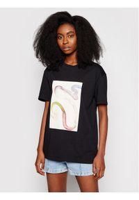 Czarny t-shirt NA-KD
