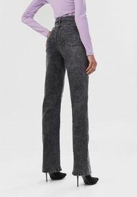 Born2be - Czarne Jeansy Wysarie. Stan: podwyższony. Kolor: czarny. Długość: długie. Wzór: aplikacja