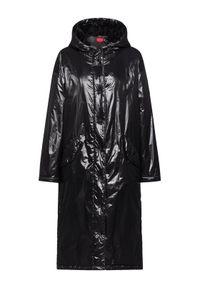 Czarny płaszcz zimowy Hugo