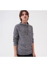 Szary sweter Sinsay ze stójką
