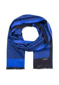 Niebieski szalik Giacomo Conti na zimę