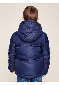 Calvin Klein Kurtka zimowa lGOIG00277 Granatowy Regular Fit. Kolor: niebieski. Sezon: zima