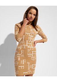 Elisabetta Franchi - ELISABETTA FRANCHI - Dzianinowa sukienka z golfem. Typ kołnierza: golf. Kolor: beżowy. Materiał: dzianina. Długość rękawa: długi rękaw. Wzór: aplikacja. Długość: mini
