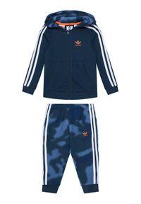 Niebieskie dresy Adidas z nadrukiem