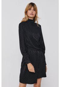 Sisley - Sukienka. Kolor: czarny. Materiał: tkanina. Długość rękawa: długi rękaw. Wzór: gładki. Typ sukienki: rozkloszowane