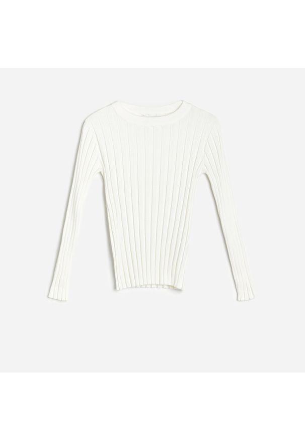 Kremowy sweter Reserved w prążki
