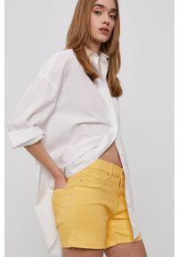 Vero Moda - Szorty. Kolor: żółty. Materiał: tkanina