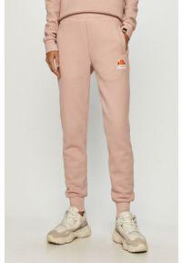 Różowe spodnie dresowe Ellesse z aplikacjami