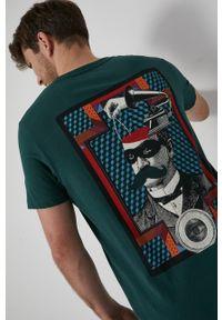 medicine - Medicine - T-shirt bawełniany Urban Punk. Kolor: zielony. Materiał: bawełna. Wzór: gładki, nadruk