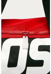 Czerwona torba podróżna Prosto. z nadrukiem