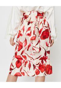 THECADESS - Spódnica z motywem kwiatowym Florence. Kolor: beżowy. Materiał: bawełna, jedwab. Wzór: kwiaty