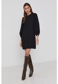 Victoria Victoria Beckham - Sukienka. Okazja: na co dzień. Kolor: czarny. Materiał: tkanina. Wzór: gładki. Typ sukienki: proste. Styl: casual