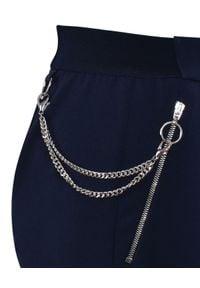 CATERINA - Granatowe spodnie w kant. Okazja: na co dzień, na spotkanie biznesowe, do pracy. Kolor: niebieski. Materiał: wiskoza, tkanina. Wzór: gładki. Styl: biznesowy, casual