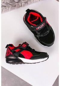 Casu - czarne buty sportowe na rzep casu 8828. Zapięcie: rzepy. Kolor: czarny
