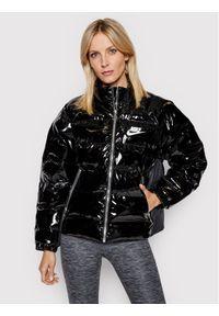 Nike Kurtka puchowa Icon Clash CU6712 Czarny Regular Fit. Kolor: czarny. Materiał: puch