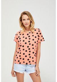 Pomarańczowa bluzka MOODO klasyczna, z nadrukiem, krótka, z krótkim rękawem