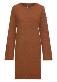 Sukienka dzianinowa z guzikami w optyce masy rogowej bonprix kasztanowy brąz. Kolor: brązowy. Materiał: dzianina, akryl, poliester, poliamid, materiał. Typ sukienki: rozkloszowane