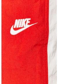 Czerwone spodnie dresowe Nike Sportswear