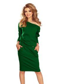 Zielona sukienka dzianinowa Numoco prosta, z dekoltem na plecach, casualowa