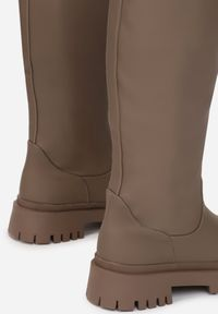 Born2be - Brązowe Kozaki Chenerena. Nosek buta: okrągły. Kolor: brązowy. Materiał: jeans, skóra. Styl: klasyczny