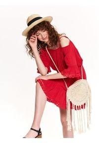 TOP SECRET - Sukienka z koronką. Kolor: czerwony. Materiał: koronka. Długość rękawa: krótki rękaw. Wzór: koronka. Sezon: lato, wiosna. Styl: elegancki