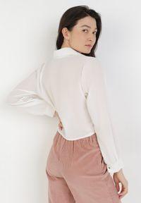 Born2be - Biała Koszula Viviciane. Kolor: biały. Materiał: jeans. Długość rękawa: długi rękaw. Długość: długie