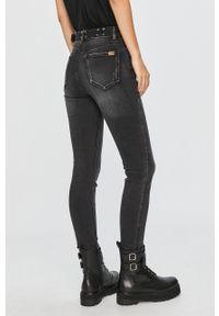Czarne jeansy Desigual z podwyższonym stanem