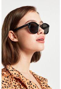 Hawkers - Okulary przeciwsłoneczne WHIMSY. Kształt: okrągłe. Kolor: czarny