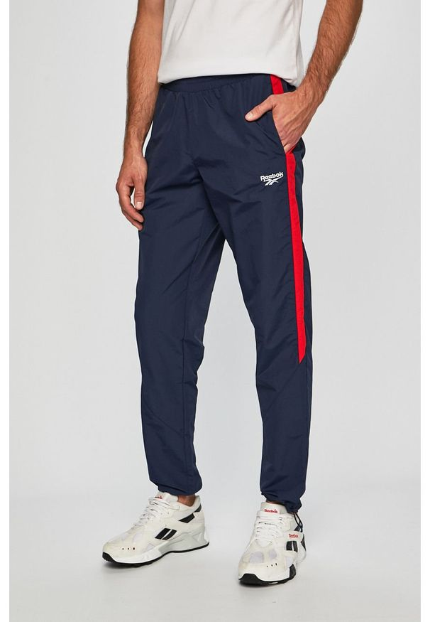 Niebieskie spodnie dresowe Reebok Classic