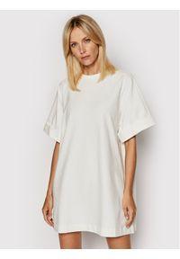 Imperial Sukienka dzianinowa ABZQBCR Beżowy Regular Fit. Kolor: beżowy. Materiał: dzianina