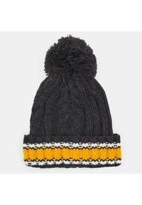 Szara czapka Sinsay na zimę
