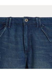 Ralph Lauren - RALPH LAUREN - Niebieskie spodenki Cargo Classic Fit. Kolor: niebieski. Materiał: jeans. Wzór: aplikacja, paski, napisy. Styl: klasyczny