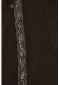 Czarne jeansy Armani Exchange z aplikacjami