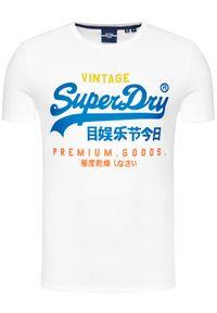 Superdry T-Shirt Vl Tri Tee 220 M1011003A Biały Regular Fit. Kolor: biały