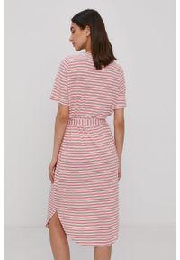 Vero Moda - Sukienka. Okazja: na co dzień. Kolor: różowy. Materiał: dzianina, poliester. Długość rękawa: krótki rękaw. Typ sukienki: proste. Styl: casual