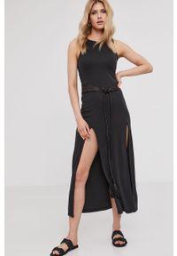 Czarna sukienka Answear Lab wakacyjna, na urodziny, bez rękawów, maxi