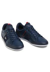 Lacoste - Sneakersy LACOSTE - Chaymon 0721 2 Cma 7-41CMA0048092 Nvy/Wht. Okazja: na co dzień. Kolor: niebieski. Materiał: zamsz, skóra. Szerokość cholewki: normalna. Styl: casual