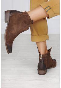 Exquisite - Brązowe botki kowbojki z zamkiem na pięcie polska skóra exquisite 1128. Zapięcie: zamek. Kolor: brązowy. Materiał: skóra