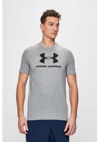 Szary t-shirt Under Armour na co dzień, z nadrukiem, casualowy, z okrągłym kołnierzem