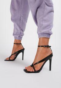 Renee - Czarne Sandały Neridorise. Kolor: czarny
