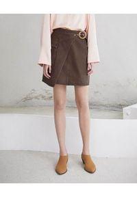 NANUSHKA - Brązowa spódnica Yeva. Okazja: na co dzień. Kolor: brązowy. Materiał: bawełna, jeans, materiał. Styl: klasyczny, elegancki, casual, sportowy