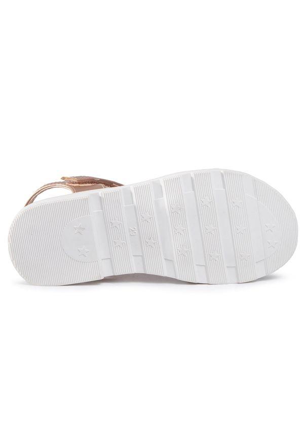 Beżowe sandały Xti na lato, z aplikacjami