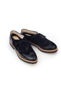 Zapato - półbuty - skóra naturalna - model 258 - kolor czarny welur lakier. Nosek buta: okrągły. Zapięcie: sznurówki. Kolor: czarny. Materiał: welur, skóra, lakier. Wzór: kolorowy. Sezon: lato. Obcas: na obcasie. Styl: klasyczny, elegancki. Wysokość obcasa: niski