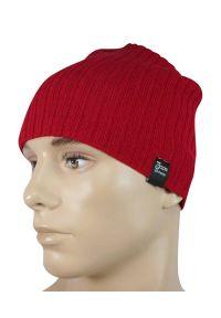 Czerwona czapka na zimę, w prążki, sportowa